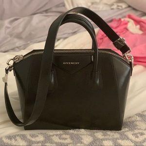 NWT- Givenchy Antigona - Small - Shiny Black
